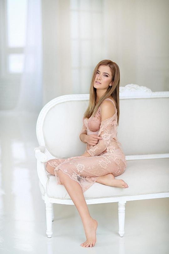 Andrea Bezděková začala loni cestovat za modelingem do zahraničí.