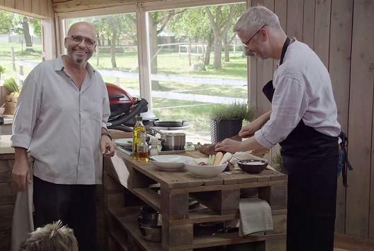 Jan Matásek se učil vařit.