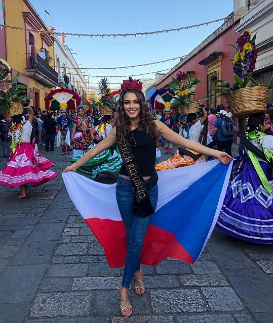 Karolína na světové soutěži Miss Global reprezentovala Českou republiku.
