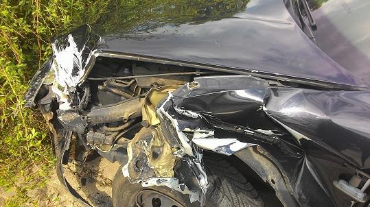 Detail zničené části auta