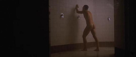 Zpěvák natáčel dokonce nahý.