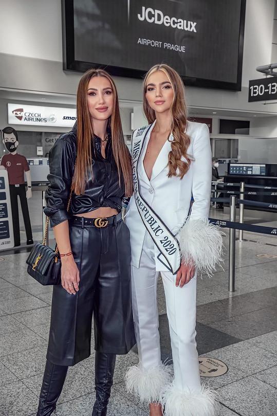 Doprovodila ji ředitelka Miss Czech Republic Taťána Makarenko.