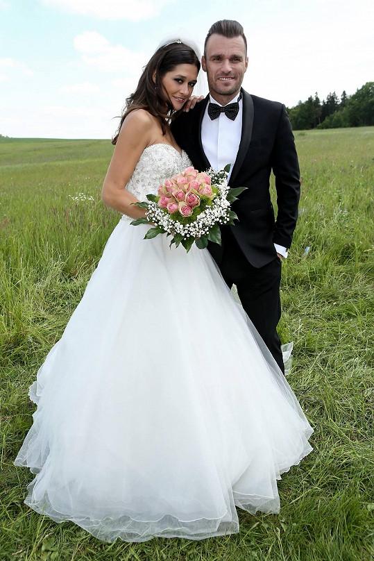 Petra Faltýnová a Leoš Mareš si užili seriálovou svatbu.