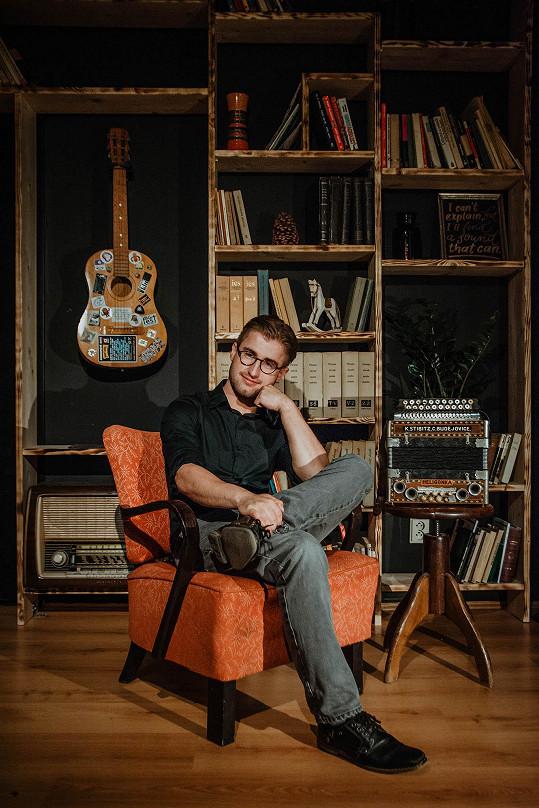 Michal Horák je talentovaný písničkář.