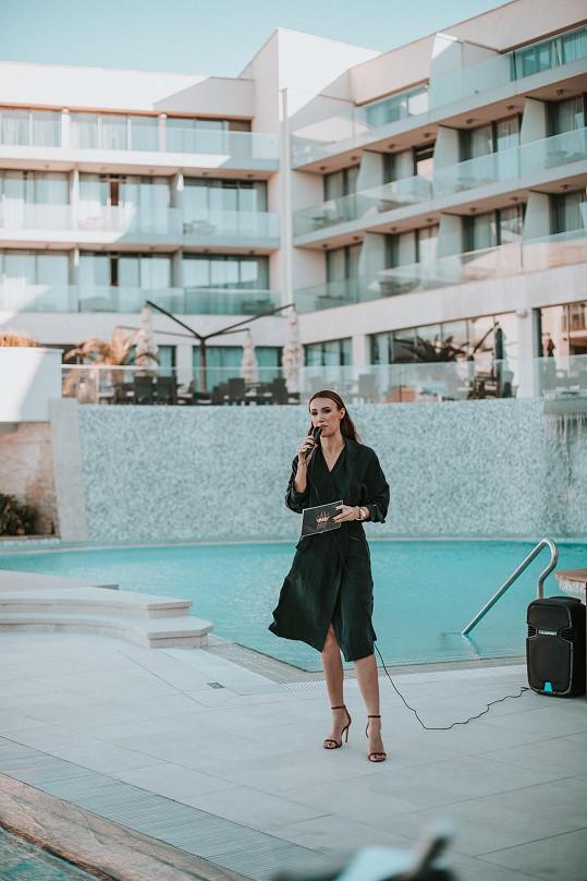 Táňa Makarenko připravila na soutředění v Chorvatsku soutěž Best in Swimsuits.