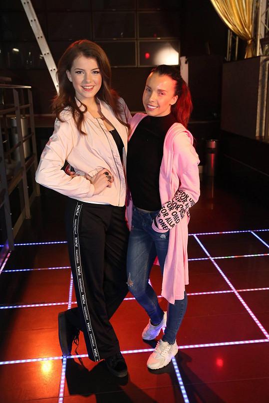 Choreografii měla na triku Adéla Bučková, sestra moderátorky Kateřiny Kristelové.