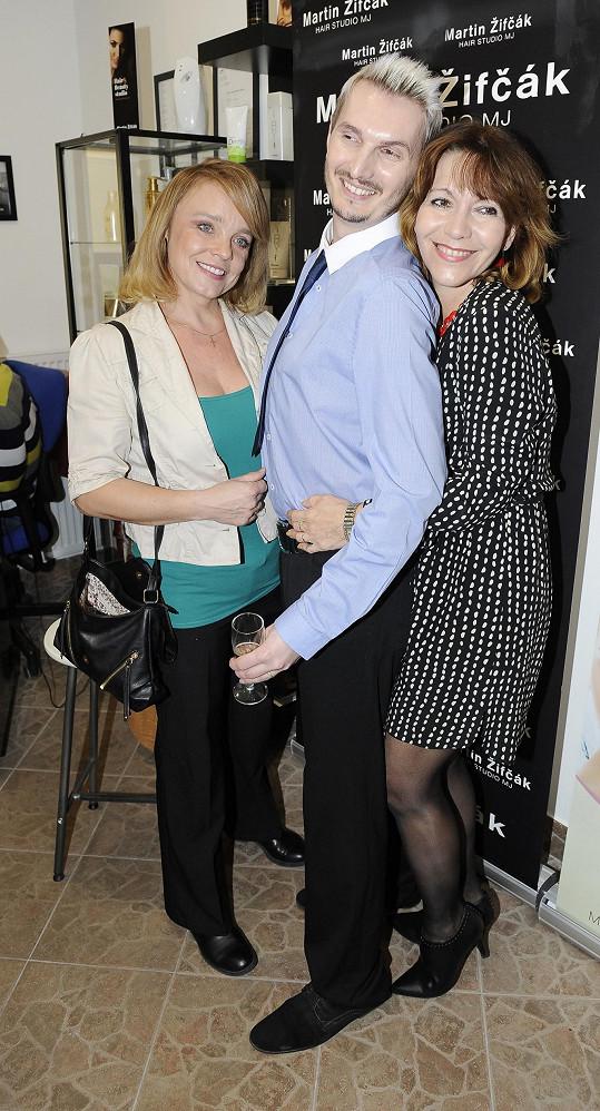 Veronika s Míšou Dolinovou a jejich kadeřníkem Martinem