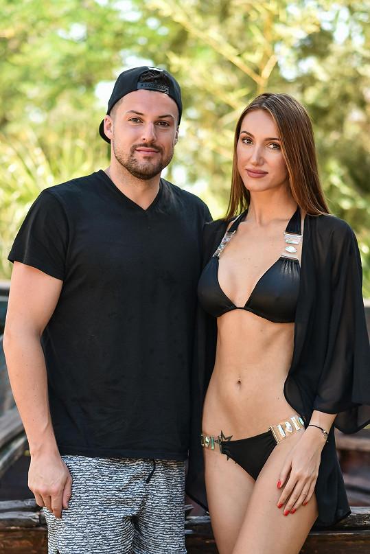 Taťáně s produkcí pomáhá její partner, hokejista Zdeněk Bahenský.