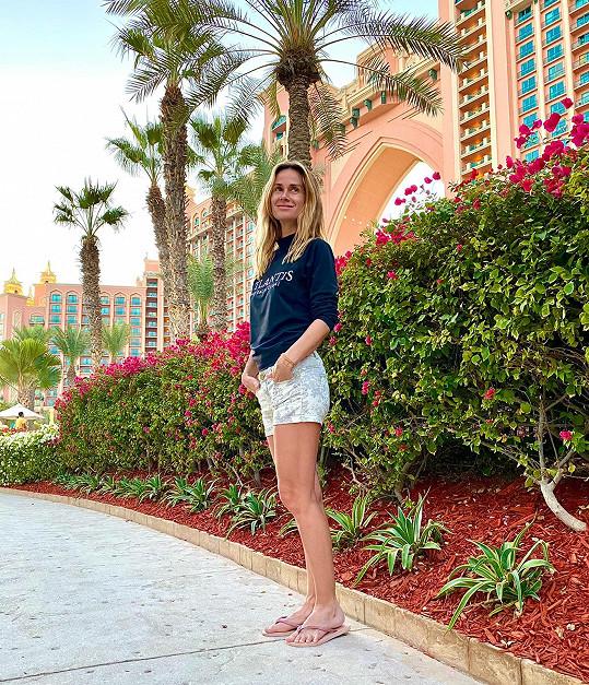 Během pandemie se jí podařilo vycestovat do Dubaje na dovolenou.