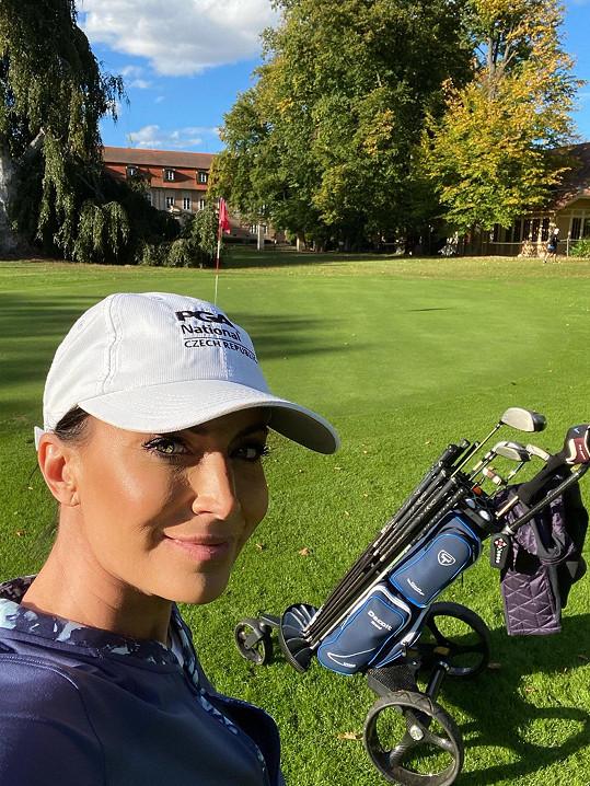Golf v zámecké zahradě ve Štiříně.