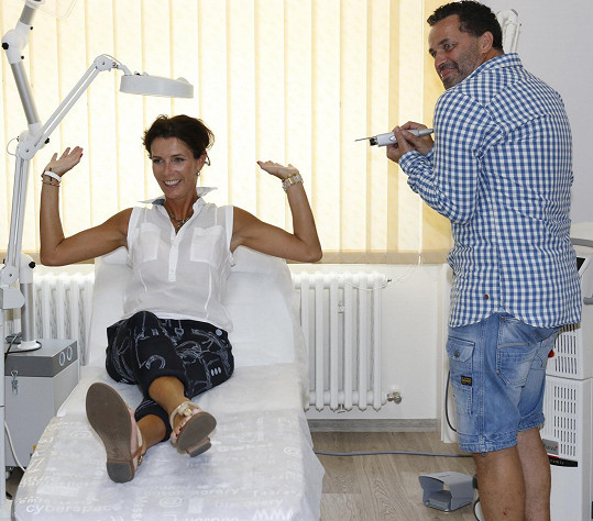 Martin s manželkou Danielou na zkrášlovací klinice