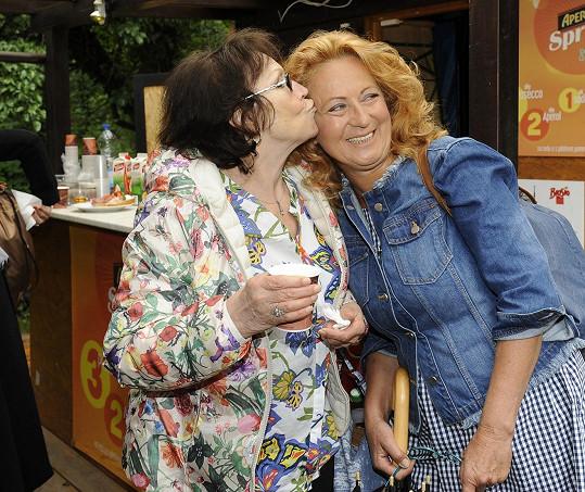 Marta Kubišová se ráda setkala se Simonou Stašovou.