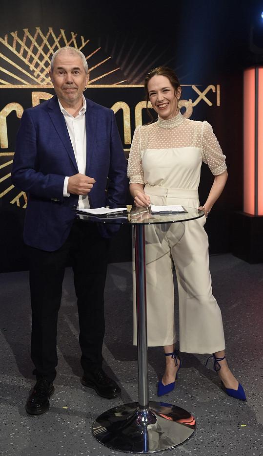 Tereza Kostková a Marek Eben se opět představí v rolích moderátorů.