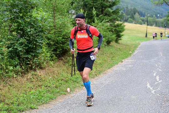 Petr Vágner během závodu v Krkonoších bojoval s rozmary počasí.