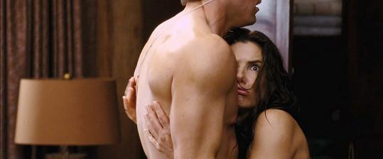 V Návrhu (2009) měla Bullock pikantní scénu s Ryanem Reynoldsem.
