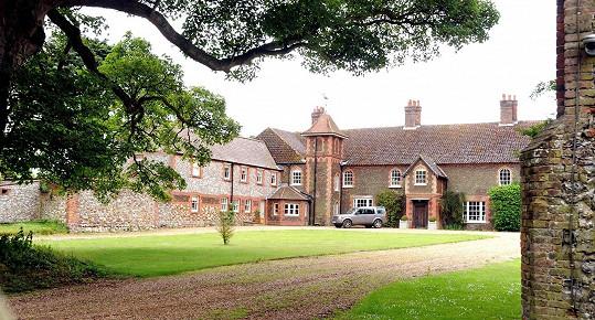 Zde budou pobývat William s Kate a jejich malým Georgem nejspíš až do dubna.