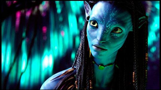 Zoe Saldana natočí další tři díly Avatara.