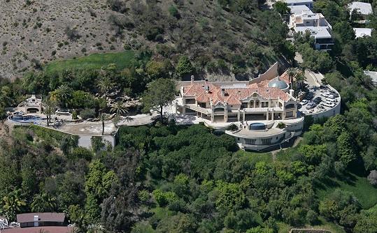 V tomto domě před 45 lety řádili Mansonovi fanatici.