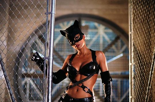 Za roli ve filmu Catwoman (2004) získala Zlatou malinu.