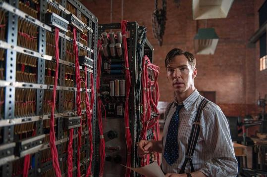 Díky hlavní roli ve filmu Kód Enigmy patří Cumberbatch k oscarovým favoritům.