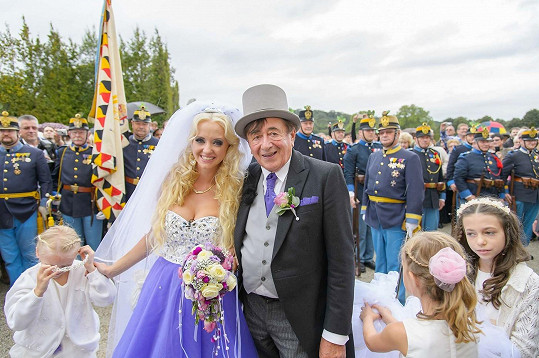 Richard Lugner má s ženěním bohaté zkušenosti.