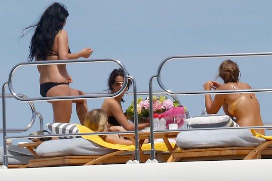 Selena Gomez slavila narozeniny v Saint-Tropez.