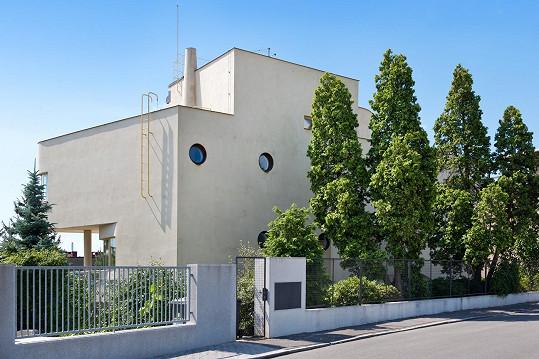 Vila Lídy Baarové dnes patří k funkcionalistickým perlám.