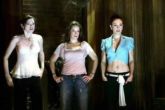 Milano (vpravo) s Rose McGowan a Holly Marie Combs v Čarodějkách