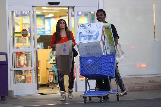 Tina Knowles nakupovala s novým přítelem.
