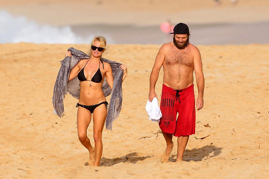 Pamela Anderson a její zarostlý manžel Rick Salomon na Havaji