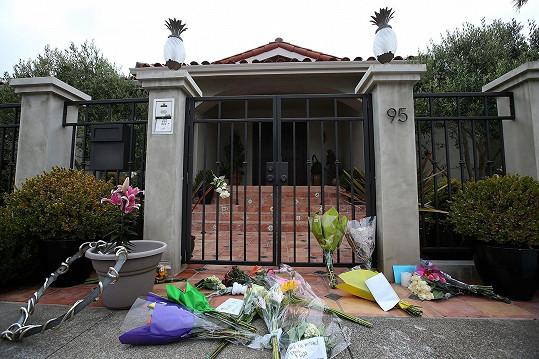 Květiny jsou i u jeho rezidence v Tiburonu.