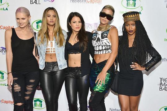 Kapela natočila úspěšný singl i s rapperem Pitbullem.