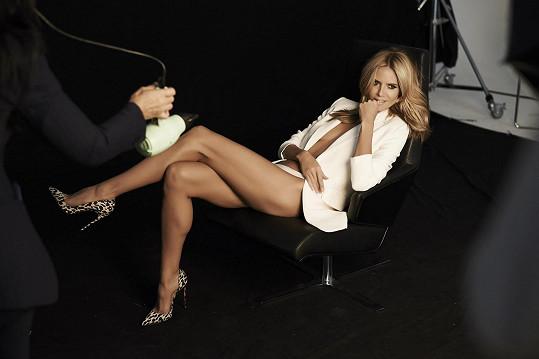 Heidi předvedla své dlouhé nohy.