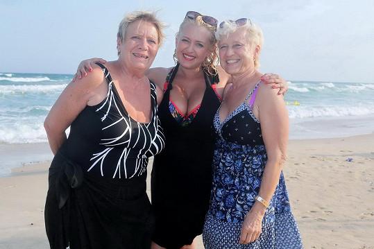 S Miluškou Bittnerovou jsou velké kamarádky. Ta vyrazila s maminkou.