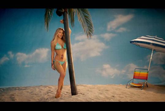 Fergie v novém klipu vypadá neuvěřitelně sexy.