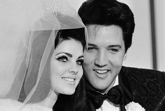 Elvis Presley na svatební fotce s Priscillou