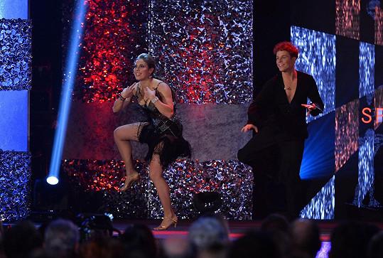 Eva Samková tančila ve stejných šatech jako kdysi Jitka Čvančarová.