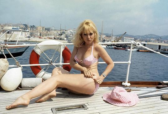 Společně s Brigitte Bardot patřila v padesátých a šedesátých letech k sexsymbolům Francie.