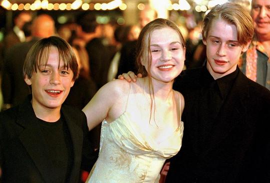 Macaulay Culkin se svou exmanželkou Rachel Minor a bratrem v roce 1998
