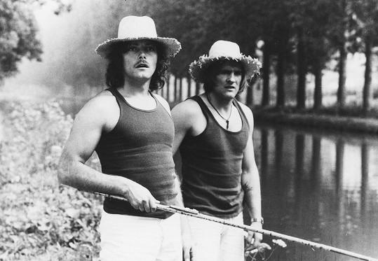 Depardieu s Patrickem Dewaerem ve filmu Buzíci z roku 1974