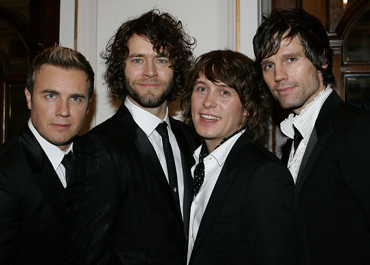 Take That na snímku z roku 2006. Zleva: Gary Barlow, Howard Donald, Mark Owen a Jason Orange.