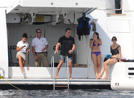 Sylvester Stallone s rodinou na dovolené na jihu Francie.