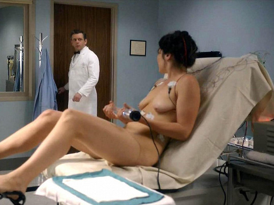 Nahá herečka Mariel Neto v seriálu Masters of Sex