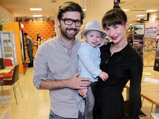 Sandra Nováková s přítelem Vojtěchem Moravcem a synem Mikulášem