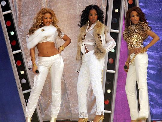Rowland (uprostřed) v bývalé dívčí skupině Destiny's Child