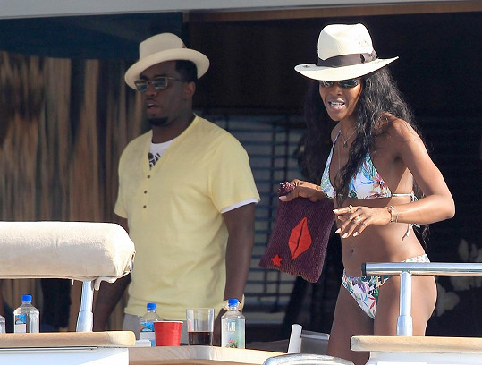 Sean Combs alias Puff Daddy s Naomi Campbell