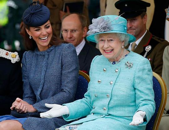 Zatímco královna Alžběta II. se těší z druhého místa, usměvavá Kate je až čtvrtá.