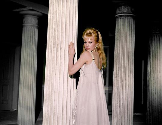 K nejkrásnějším francouzským herečkám patřila Mylène právem.