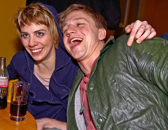 Vysmátý Tomáš Klus s Anetou Langerovou