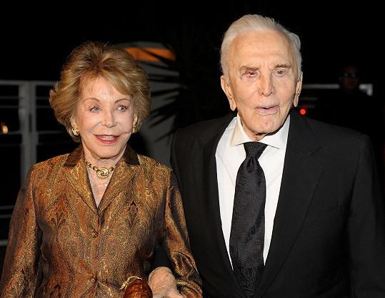 Herec s manželkou Anne Buydens Douglas